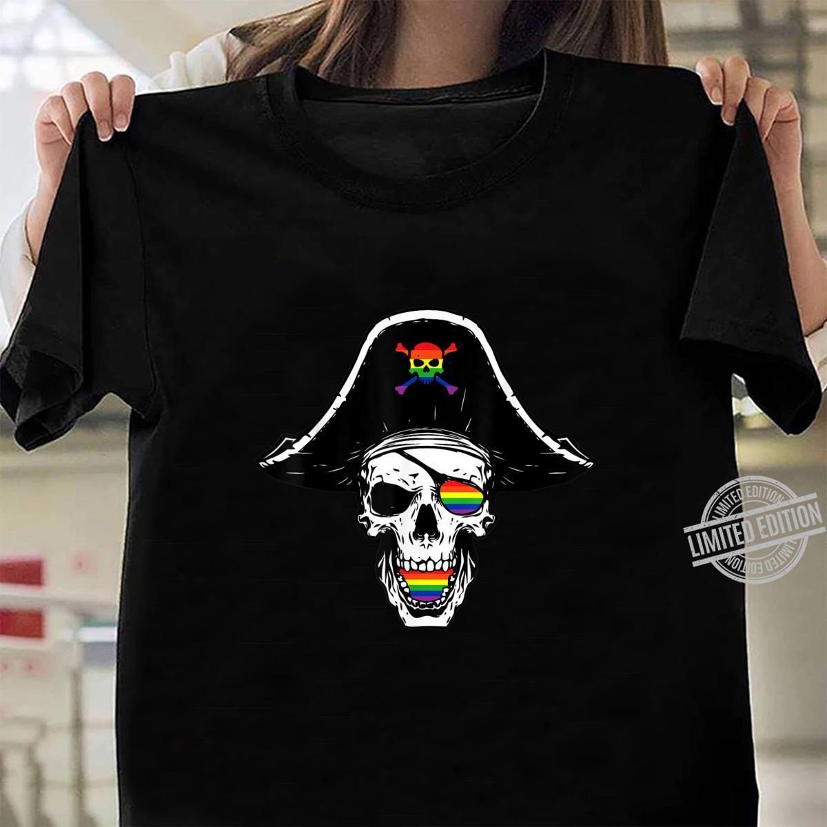 Gay Pirate Skull Crosbones Pride Flag LGBTQ Cool LGBT Shirt ladies tee